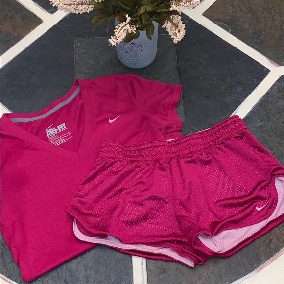 NIKE pink outfit